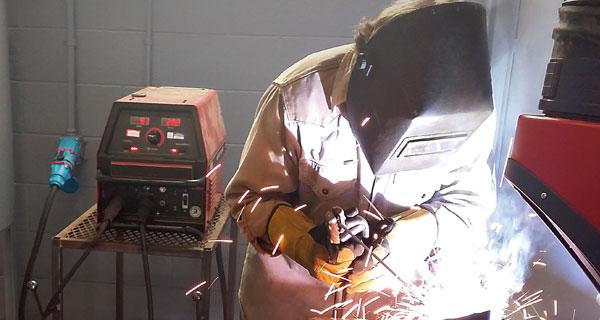 welders_at_tech_school